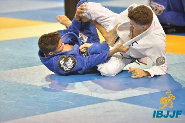 Matheus disputou recentemente o World Pro Jiu Jitsu Championchip, em Abu Dhabi (Divulgação)
