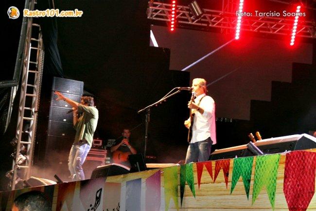 Dupla Victor & Léo foram atração principal na primeira noite. (Foto: Tarcísio Soares)