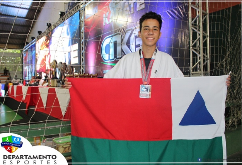 Atletas de Itagimirim foram premiados no torneio. (Ascom-Prefeitura de Itagimirim)
