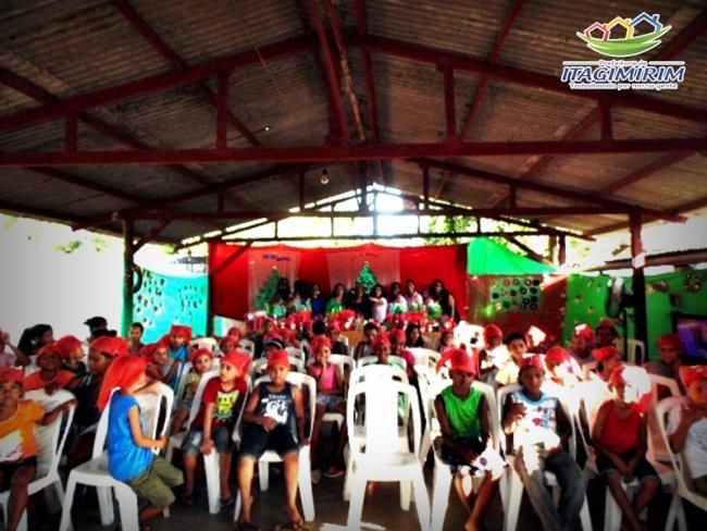 Dezenas de crianças participaram do evento de encerramento. (Foto: Divulgação)