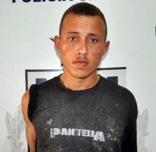 Walas de Souza Soares, 21 anos, que é morador do bairro Juca Rosa, foi preso pela polícia. (Foto: Radar64)