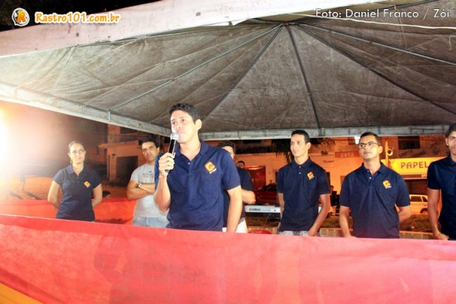 Luciano Silva e parte da equipe da Rádio Estação 87.9 FM. (Foto: Daniel Franco / Rastro101)