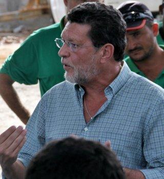 Para o gerente de sustentabilidade da Veracel, Renato Carneiro, é justa a reivindicação que os trabalhadores estão fazendo, e afirmou que vai levar a situação até a direção da empresa. (Foto: Rastro101)