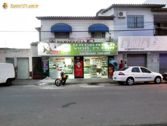 farmácia fica localizada no centro de Itagimirim. (Foto: Rastro101)