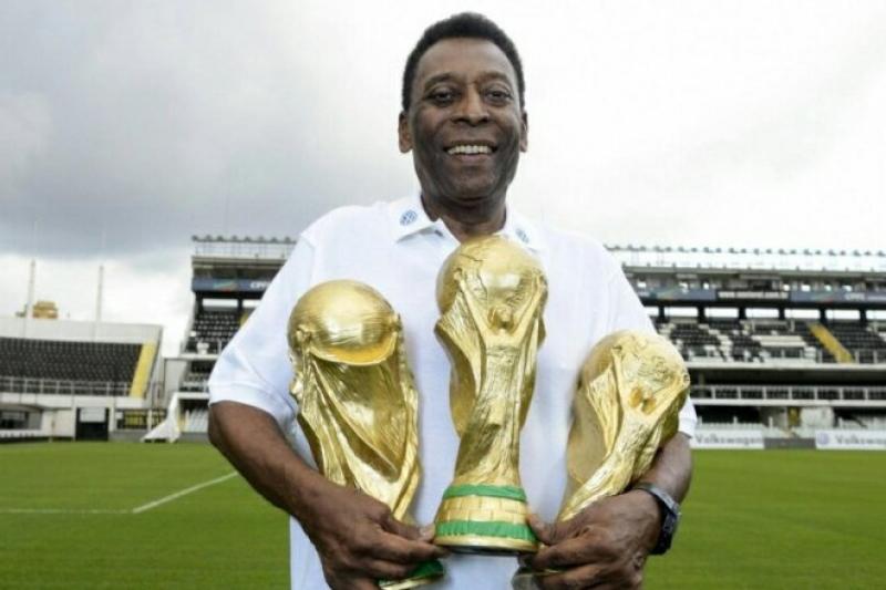 Pelé coleciona recordes durante sua carreira no futebol. (Reprodução)
