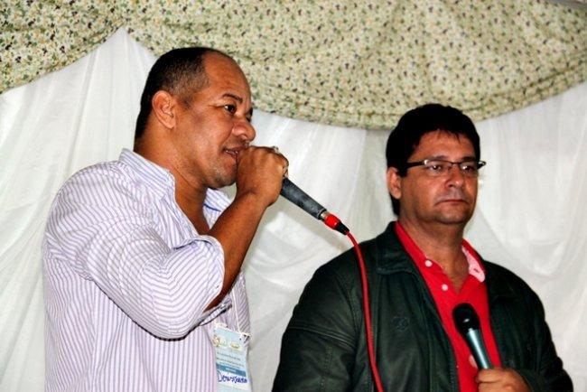 Derisvaldo Bonfim, presidente da Câmara de Vereadores, ao lado do prefeito Rogério Andrade. (ASCOM)