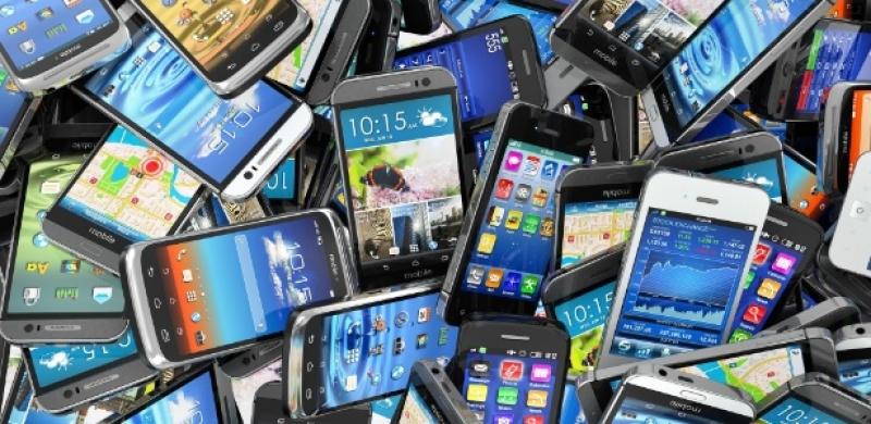 Quem estiver utilizando aparelhos irregulares, vai começar a receber a partir deste domingo mensagens alertando sobre o problema. (Reprodução)