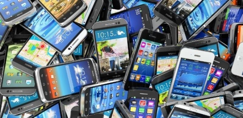 A Anatel enviou 531 mil mensagens de aviso de desligamento a celulares irregulares. (Imagens ilustrativas)