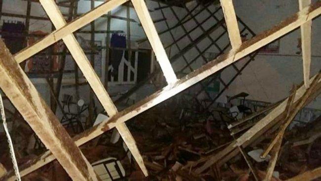 Teto da Escola Eraldo Tinoco desaba em Itamaraju. Fonte: site Sulbahia news.