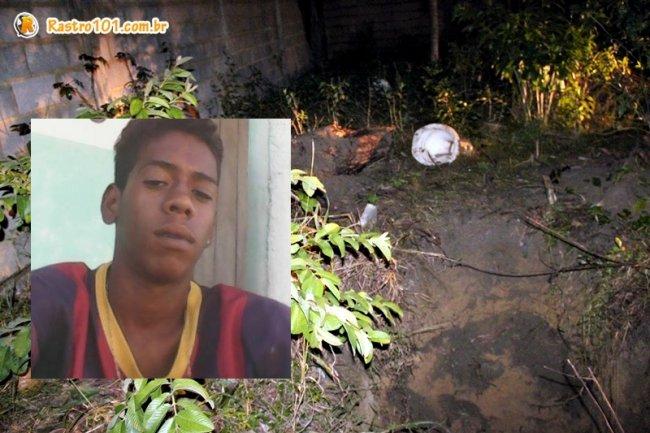 Mãe de Jhonatan foi até o loca e fez o reconhecimento do corpo. (Foto: Rastro101)
