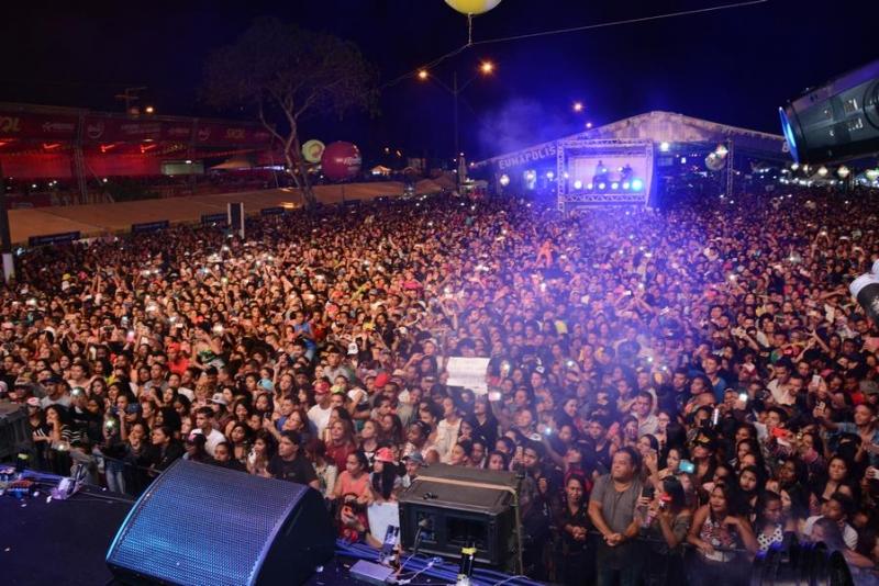 Milhares de pessoas na última edição do Pedrão em Eunápolis. (Arquivo/Rastro101)