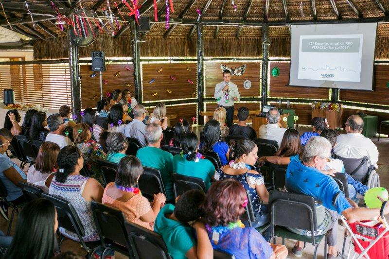 Os voluntários e seus convidados também conheceram mais sobre as atividades de controle ambiental da Veracel. (ASCOM/VERACEL)
